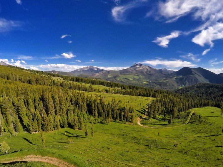 Sweeping views on this Montana property for sale