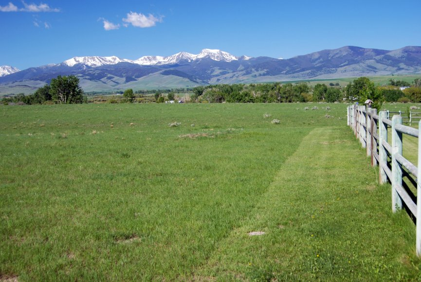 Breathtaking views on this Montana property for sale