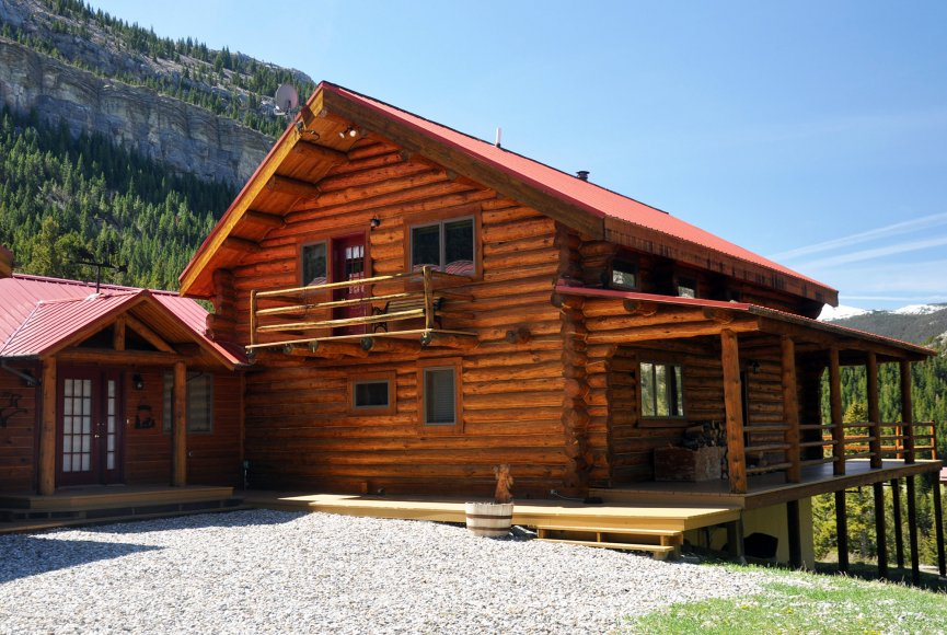 Luxury cabin on this mountain property for sale in Montana