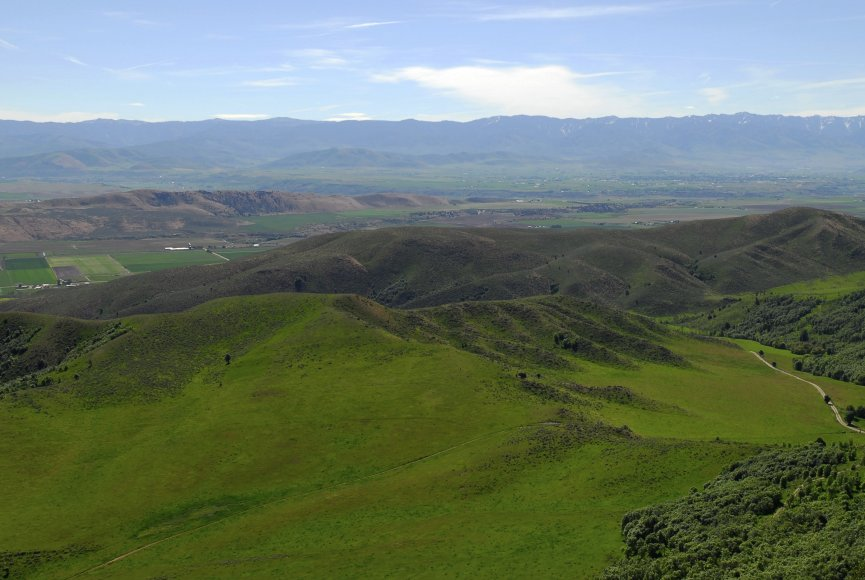 Land for sale in Idaho with a lot of elbow room