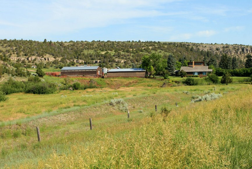 Montana ranch for sale with large acreage