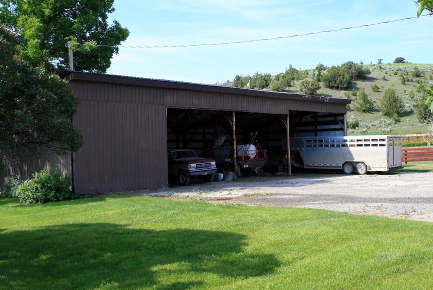 Montana ranch for sale with large garage