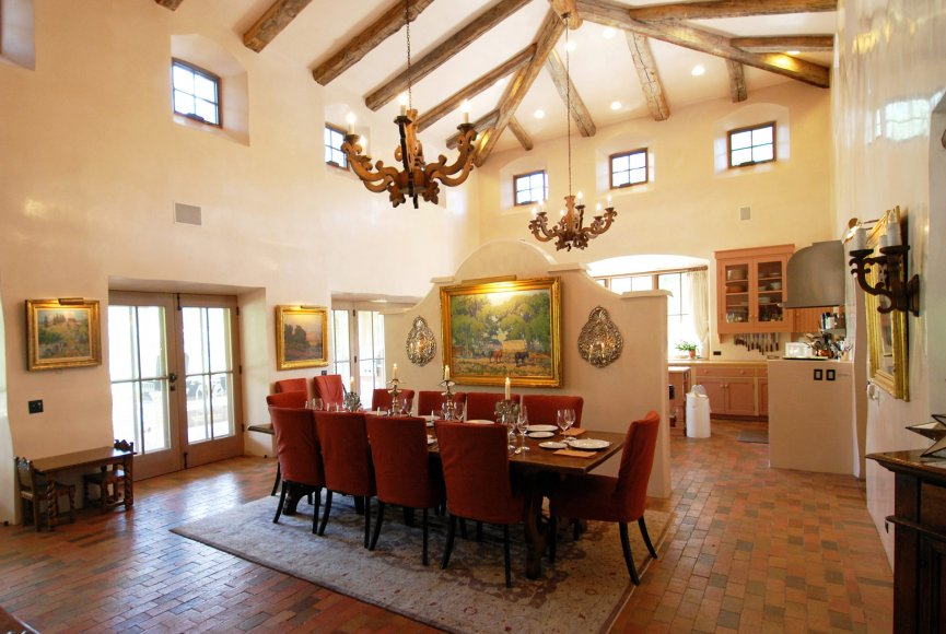 Dining with views on this New Mexico property for sale