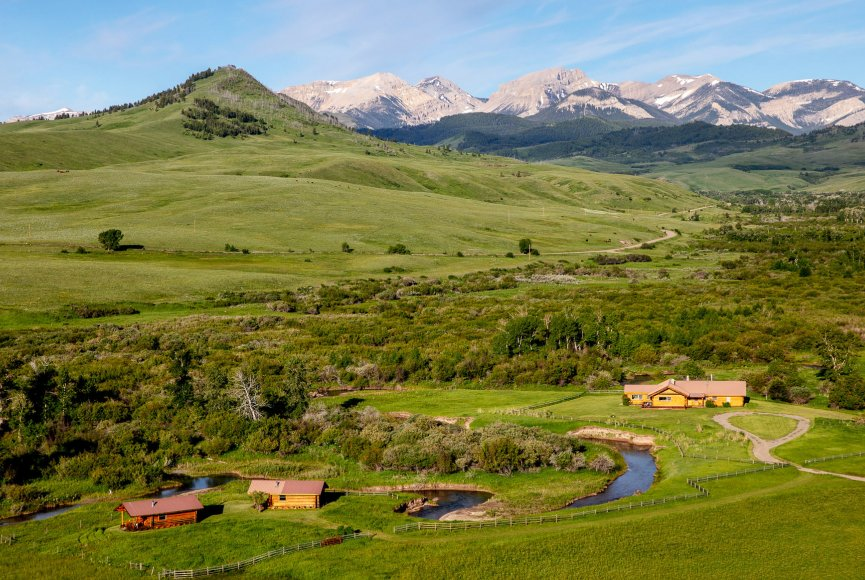Breathtaking views on this Montana ranch for sale