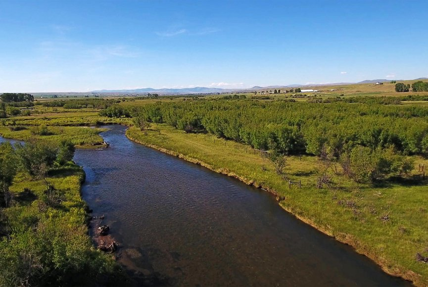 A river runs through this Montana ranch for sale