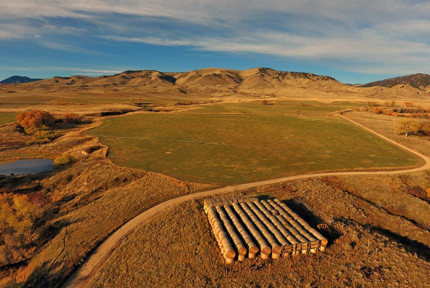Ranch for sale in Wyoming listed by Swan Land Company
