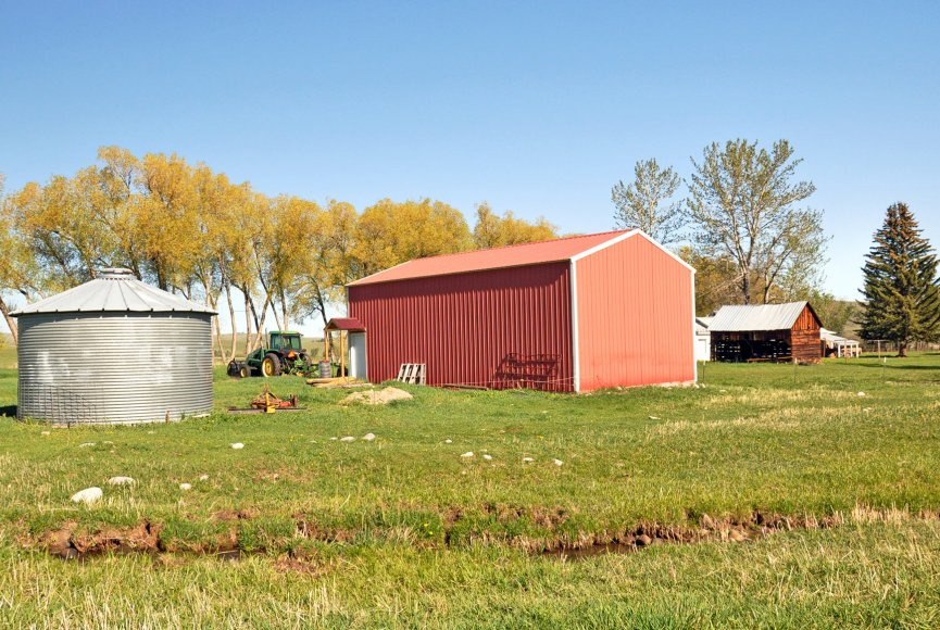 farm and ranch property for sale in montana with barns