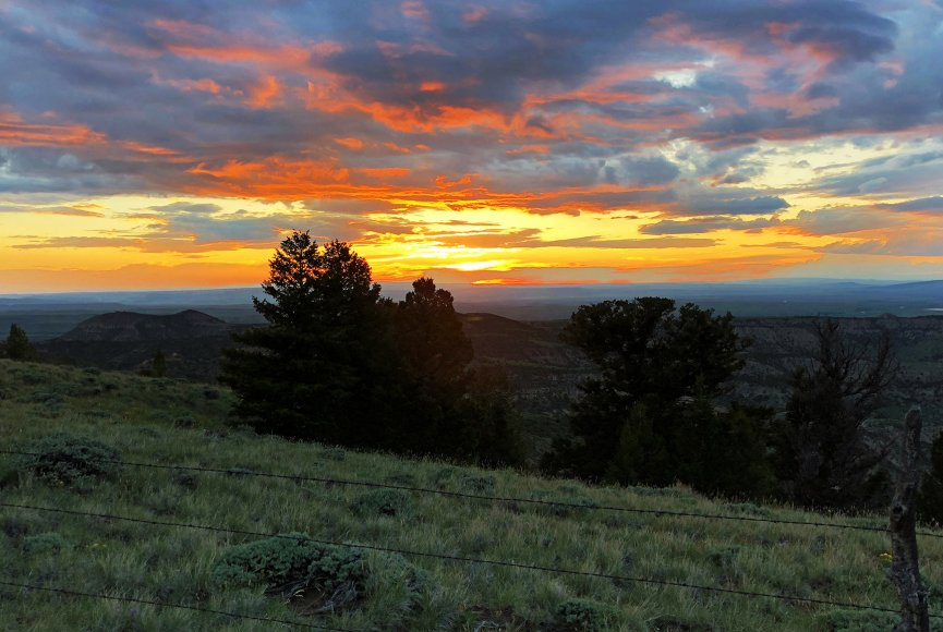 Sundown on this gorgeous Wyoming ranch for sale