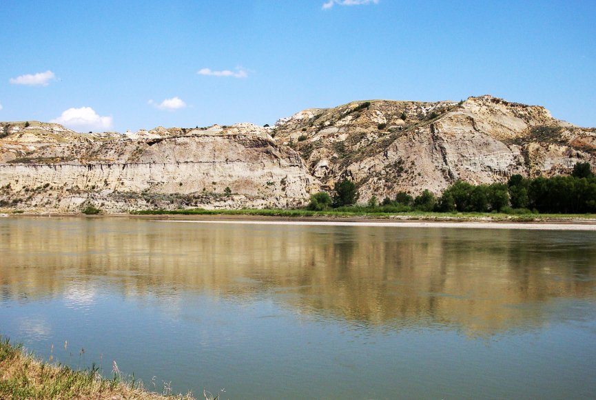 Yellowstone River front on this Montana property for sale